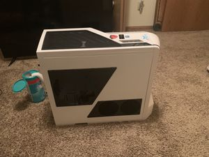 White nzxt phantom case for Sale in Sycamore, IL