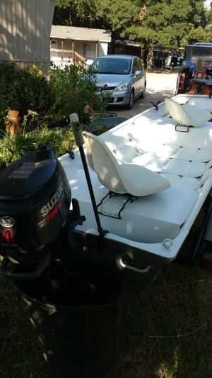 14 foot flat bottom aluminum boat with 4 horses Suzuki 4-stroke for Sale in Fort Worth, TX