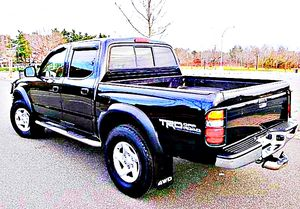 $1,4OO I'm selling urgentl 2OO4 Toyota Tacoma. for Sale in Vienna, MD