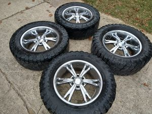 20-in GM / Chevy 6 lug wheels with 24 locking lugs and key for Sale in Garland, TX