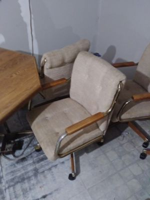 Table and 4 chairs for Sale in Portsmouth, VA