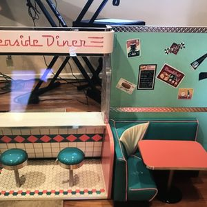 American Girl Seaside Diner & Accessories for Sale in Redwood City, CA