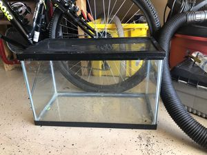 Fish tank or terrarium ( 10 gallons) for Sale in Port St. Lucie, FL