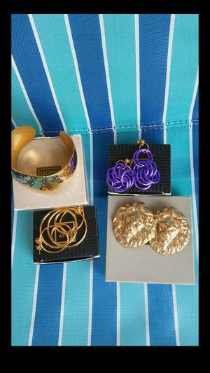 Avon Jewelry New for Sale in Nashville, TN