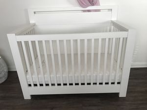 Baby crib with mattress original price $1500 for Sale in Los Angeles, CA