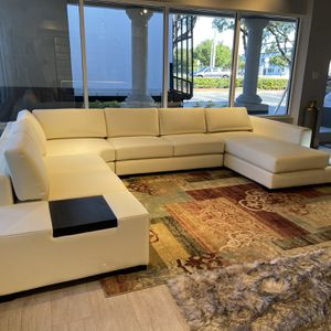 Sectional Real Leather // financiamiento Disponible for Sale in Hialeah, FL