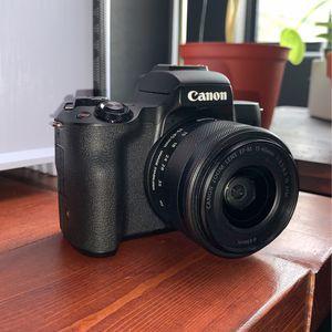 Canon M50 w/ 3 Batteries for Sale in Glendale, AZ