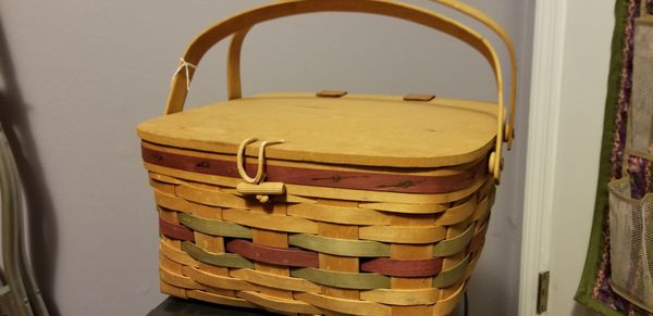 7 Longaberger baskets.