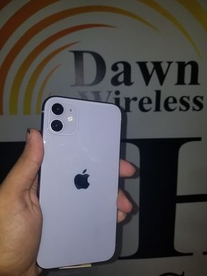 Iphone 11 FACTORY UNLOCKED for Sale in Dallas, TX