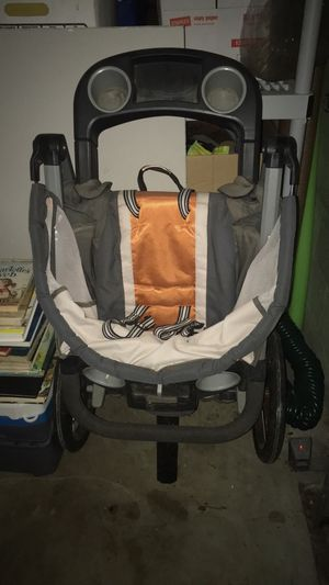 Graco fast action fold jogging stroller for Sale in Hampton Township, PA