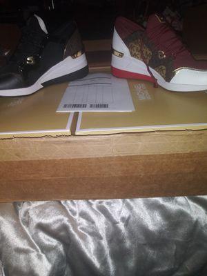 BRAND NEW Michael Kors Ladies Sneakers for Sale in Pittsburgh, PA