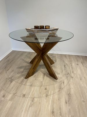 Dining Table for Sale in Newport Beach, CA