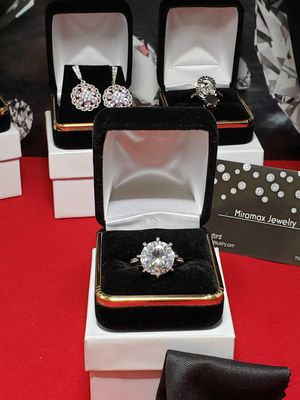 Vintage Solid silver simulated diamond.. 6ct sz 7 for Sale in Meriden, CT