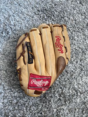 12/2 inch Rawlings baseball glove for Sale in Euclid, OH