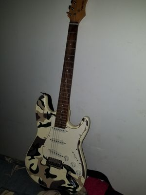 Mahar electric guitar for Sale in Bellefontaine, OH