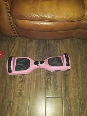 Hoverboard with light and bluetooth speakers my daughter did not like for Christmas no charger for Sale in Bakersfield, CA