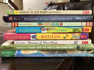 Lot of Girls Reading Books Judy Bloom Disney Dahl Magic Treehouse for Sale in Irvine, CA