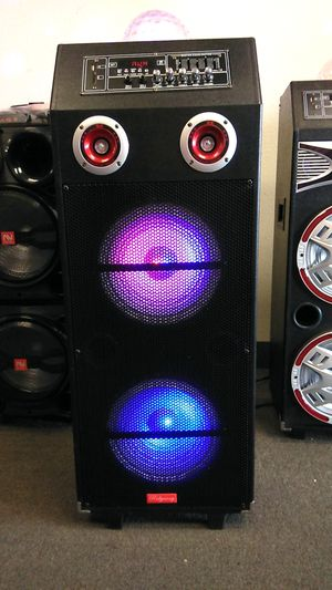 DOUBLE 10-INCH PARTY OR KARAOKE SPEAKER WITH MICROPHONE for Sale in Las Vegas, NV