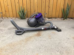 Dyson animal dc 39 ball vacuum for Sale in Los Angeles, CA