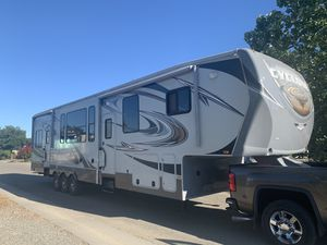2013 Cyclone by Heartland toy hauler 43ft-2 bath-3slides-5500 watt gen -12 ft garage for Sale in Vancouver, WA