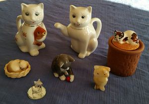 Set of cat figurines for Sale in Mount Airy, MD