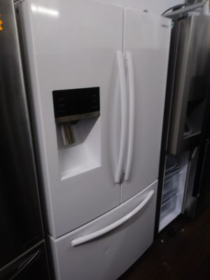 SAMSUNG 3 DOOR WHITE REFRIGERATOR RECENT MODEL for Sale in Whittier, CA