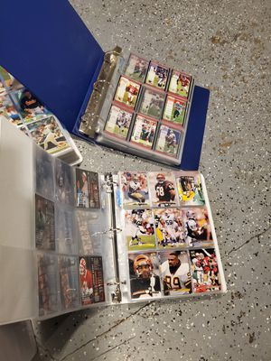 7 binders Tons Of Baseball and Football Cards. Binders glore for Sale in Clackamas, OR