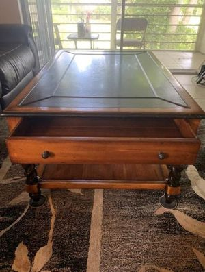 Coffee table with 2 end tables rustic, victorian for Sale in Delray Beach, FL