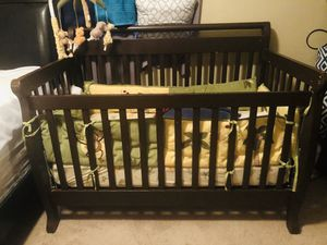 Crib and drawer changing table for Sale in Moreno Valley, CA