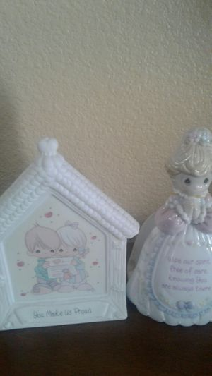 2 precious moments sculptures for Sale in Las Vegas, NV