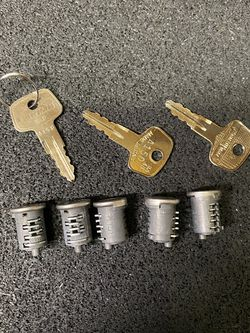 Yakima Sks Locks A150 5 Locks for Sale in Hayward,  CA