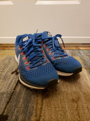 Running shoes Nike zoom pegasus 31 for Sale in Durham, NC