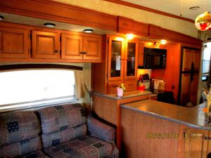Cardinal Forest River 2011 5th wheel camper for Sale in Livingston, MT