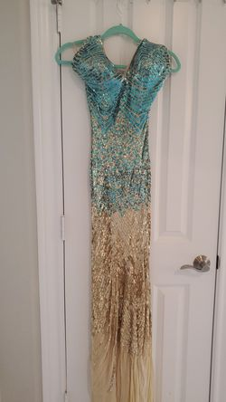 Very elegant classy mermaid dress used once only s/m size for Sale in Houston,  TX