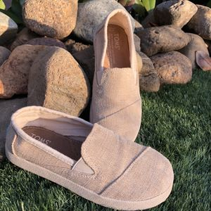 TOMS size 13 Girls for Sale in Cottonwood, CA