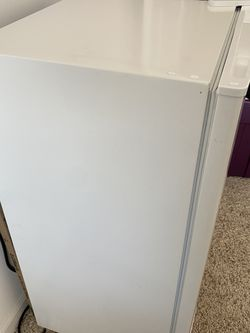 Mini Fridge! for Sale in Bolingbrook,  IL