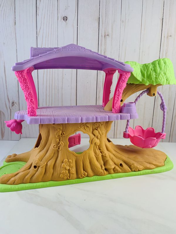 Fischer-Price Little People Treehouse Playhouse for Small Toys Game