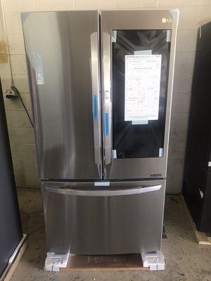LG 27 cu. ft. InstaView™ Door-in-Door® Refrigerator for Sale in Las Vegas, NV
