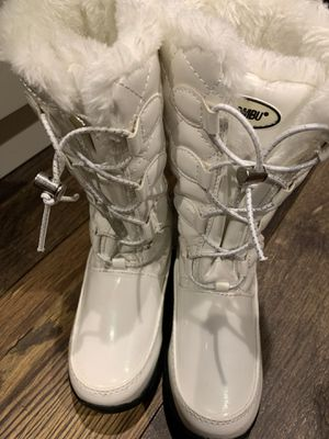Girl' Khombu Dacy II Winter Boot Little Kid Clothing, Shoes & Jewelry Shoes Size 13 for Sale in West Springfield, VA