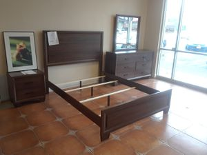 4 piece queen bedroom set comes with queen bed frame dresser mirror and nightstand for Sale in Antioch, CA