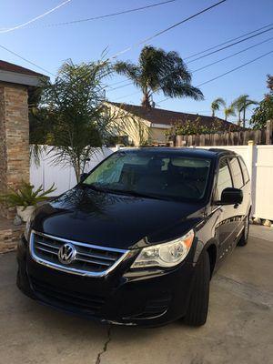 2012 Volkswagen Routan mini Van for Sale in Carson, CA