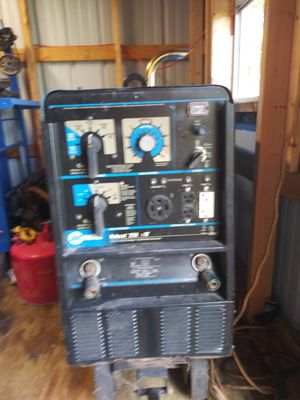 Miller bobcat 250 welder for Sale in Bartow, FL