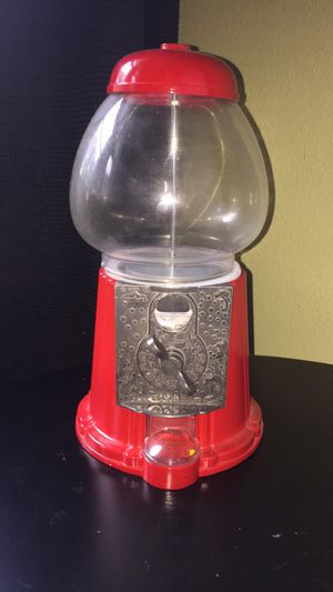 🎁🎉🎄 GREAT GIFT! Glass & metal gumball machine. Uses pennys. for Sale in Grapevine, TX