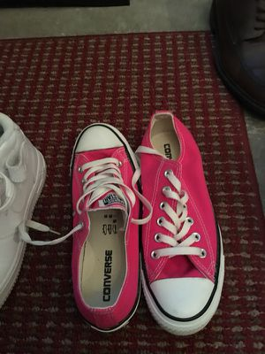 Hot pink converse size 7 woman's for Sale in San Diego, CA