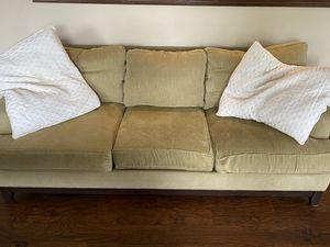 Ethan Allen couch for Sale in MAGNOLIA SQUARE, FL