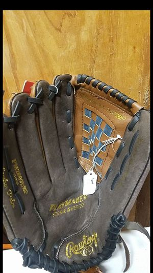 "Rawlings softball glove, 13"" for Sale in Whittier, CA"