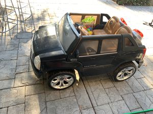 Fisher price power wheels Kids toy suv Cadillac Escalade ext hybrid for Sale in Los Altos, CA