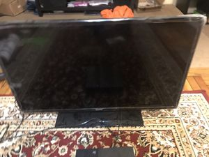 Samsung TVs 40' LED and 32' non smart for Sale in Westover, WV