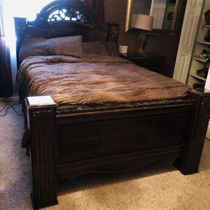Queen Size Bedroom Set for Sale in Oak Lawn, IL