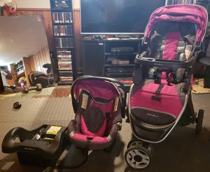 Eddie Bauer baby travel system for Sale in South Euclid, OH